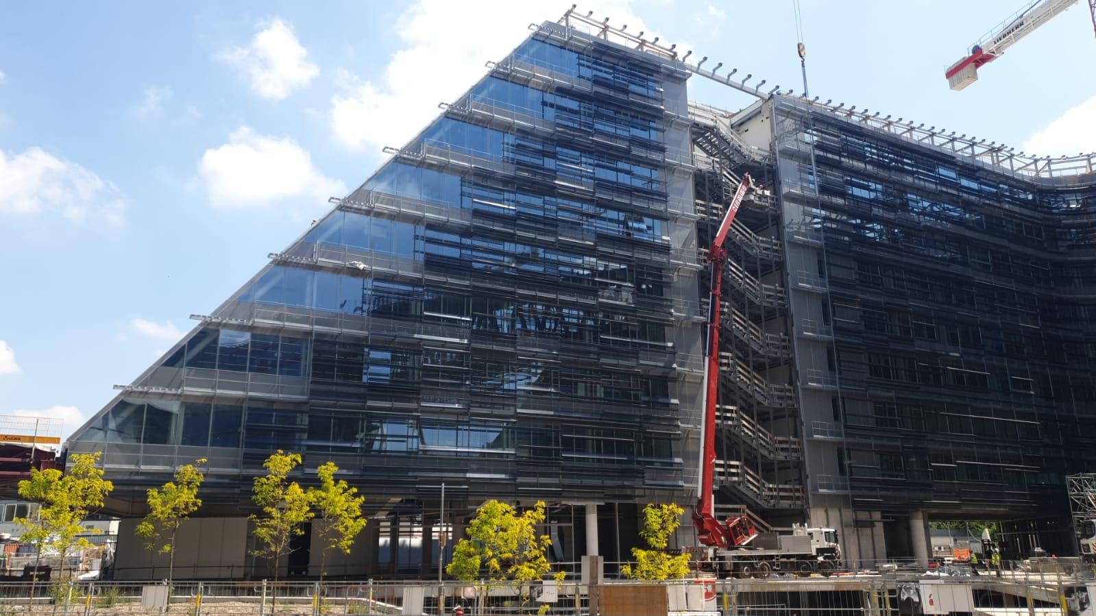 Sesto Palazzo Uffici Eni: 65.000 mq di ingegnerizzazione e il know-how di Solaris Tende