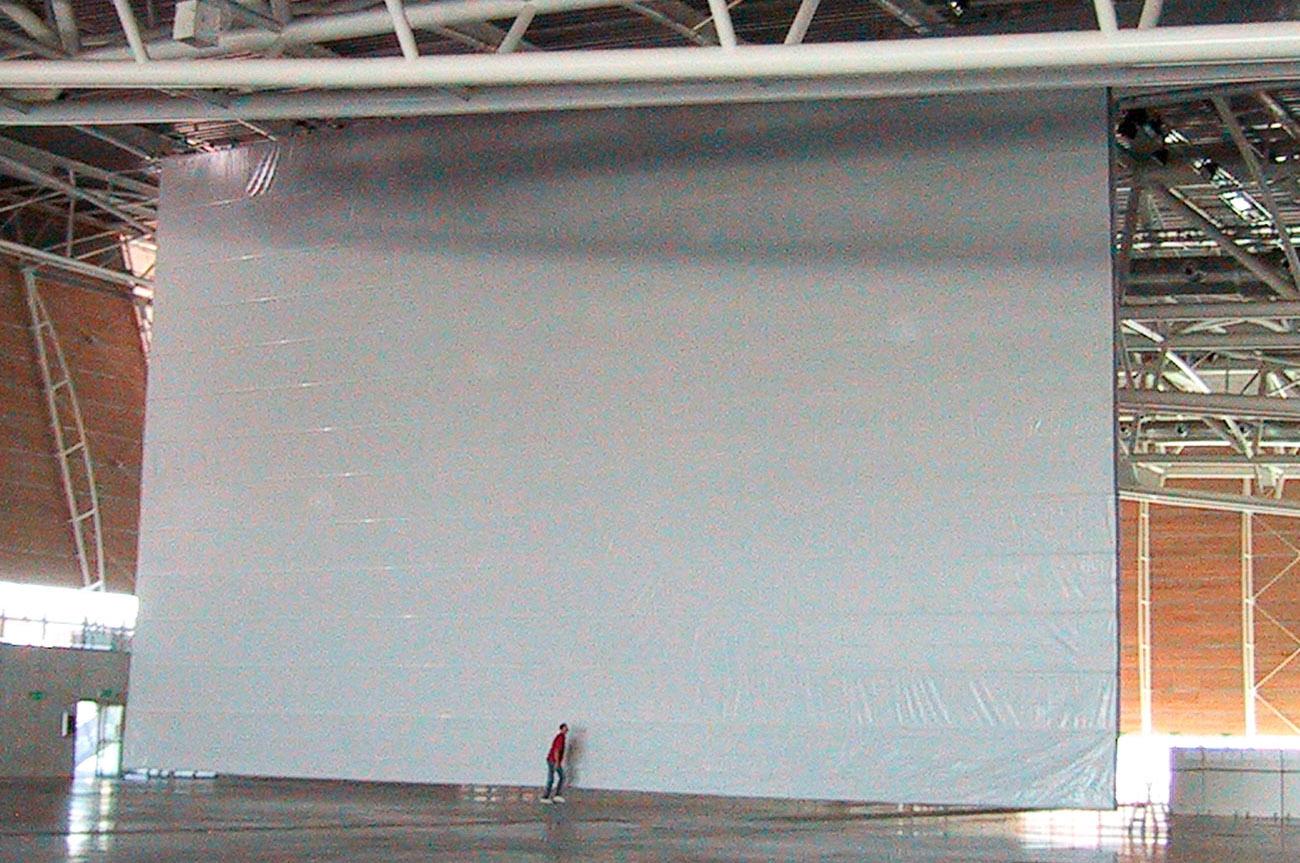 Oval Torino parete tessile di larghezza 30 metri e altezza 20 metri